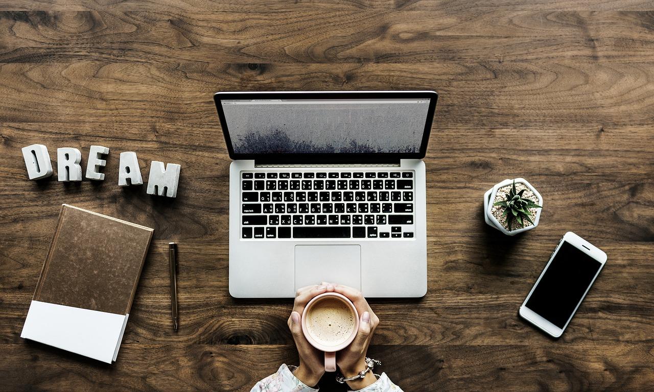 Blogowanie To Praca W Domu Przy Biurku Ale Jest Tak Samo